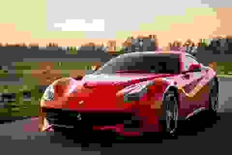 Ferrari F12berlinetta cho ngày cuối tuần đầy màu sắc