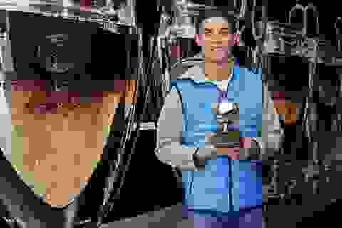 C.Ronaldo hạnh phúc trong ngày nhận giải thưởng mới
