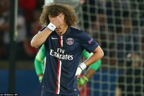 """Màn trình diễn kém cỏi """"như trẻ lên 8"""" của David Luiz"""