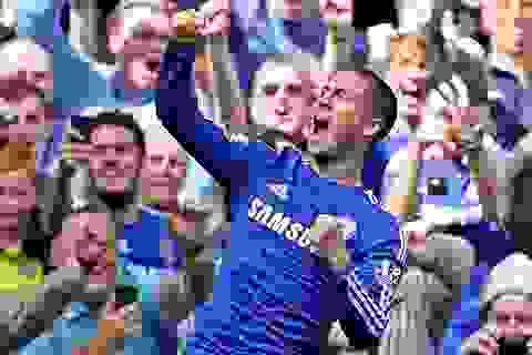 Eden Hazard hoàn tất cú đúp giải thưởng ở Premier League
