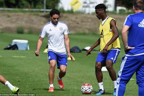 Falcao hăng hái tập luyện, sẵn sàng ra mắt Chelsea
