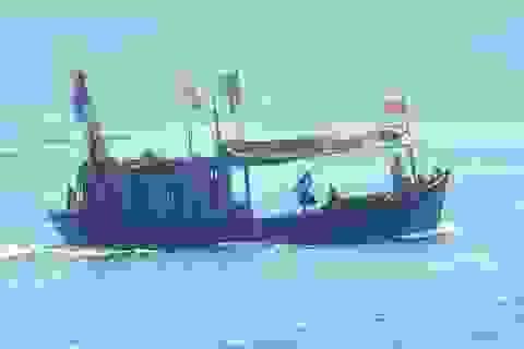 """Khánh Hòa chính thức """"dỡ bỏ"""" lệnh cấm biển sau bão số 4"""