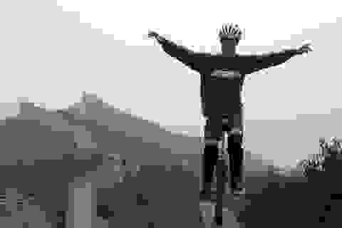 Du ngoạn thế giới trên xe đạp một bánh