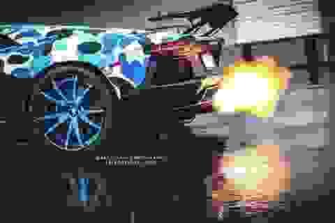 Lamborghini Aventador trong màu áo lạ