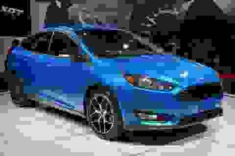 Ra mắt Ford Focus 2015 phiên bản sedan