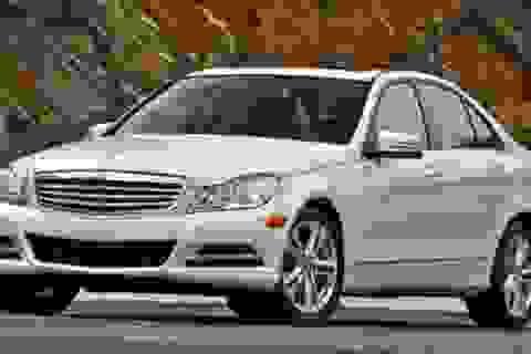 Mercedes triệu hồi hàng trăm ngàn xe C-Class