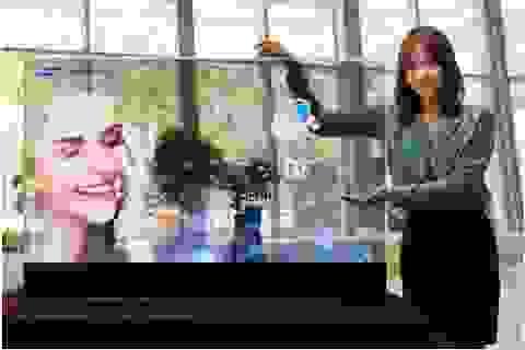 Samsung trình diễn màn hình OLED gương, trong suốt