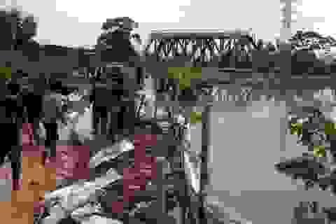 Mở cống cho nước sông Nhuệ ngược vào nhánh sông nội thành