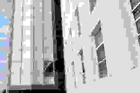 Hà Nội: Rơi từ tầng 9, thiếu nữ tử vong tại ĐH Thăng Long