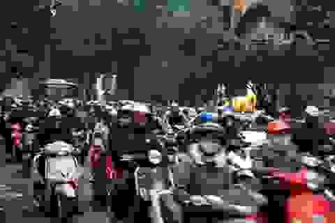 """Hà Nội phê bình nhiều quận, huyện """"lờ"""" phí sử dụng đường bộ"""