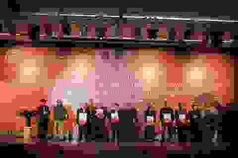 Hơn 500 tài liệu, hiện vật được hiến tặng cho Bảo tàng Hà Nội