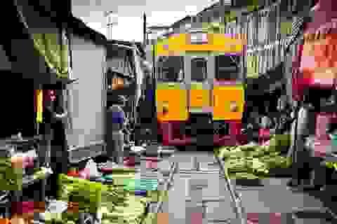 """""""Thót tim"""" với cảnh mua bán ở khu chợ nguy hiểm nhất thế giới"""