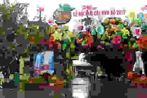Củ, quả khổng lồ xuất hiện tại Lễ hội Trái cây Nam bộ