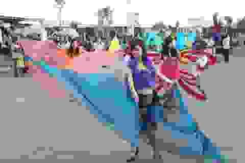 Thú vị màn diễu hành đường phố tại Tuần Du lịch xanh ĐBSCL