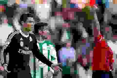 C.Ronaldo lĩnh án treo giò 2 trận
