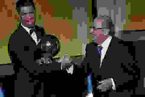 C.Ronaldo lần thứ 3 đoạt danh hiệu Quả bóng vàng FIFA