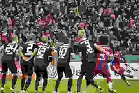 Chiêm ngưỡng tuyệt phẩm sút phạt của ngôi sao Bayern Munich