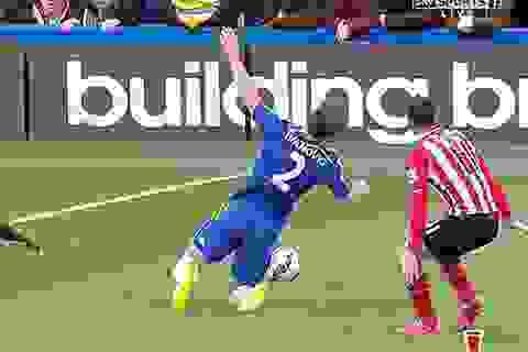 Chelsea mất oan một quả phạt đền?