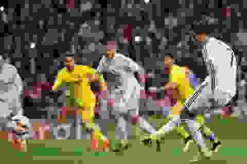 Real Madrid hưởng phạt đền gấp 3 lần Barcelona