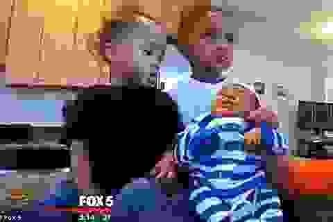 """Ba năm """"sản xuất"""" liên tục 3 bé trai cùng ngày, tháng sinh"""