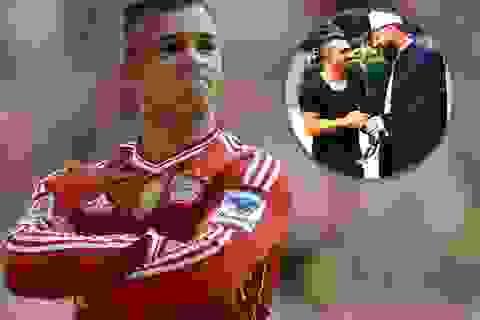 Cựu cầu thủ Bayern gây sốc với ảnh chụp chung cùng trùm khủng bố