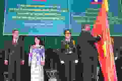 ĐH Cần Thơ đón nhận Huy chương Hữu nghị do CHDCND Lào trao tặng