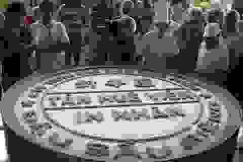 Chiếc bánh in kỷ lục nặng gần 600kg