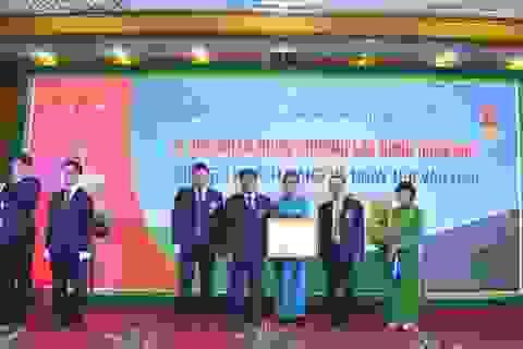 Vietcombank Hải Dương đón nhận Huân chương Lao động Hạng Nhì
