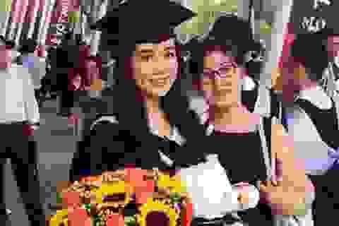 Miss Teen Xuân Mai xinh đẹp nhận bằng tốt nghiệp ĐH