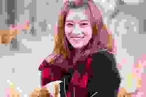 """Chibi Hoàng Yến khoe giọng hát """"vừa ngủ dậy"""" trong veo"""