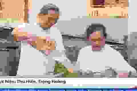 Thán phục cặp đôi U70 đạp xe xuyên Việt