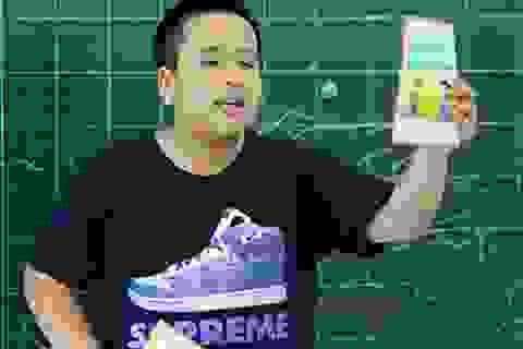 """""""Thần đồng"""" Đỗ Nhật Nam làm thầy giáo dạy tiếng Anh cho trẻ em"""