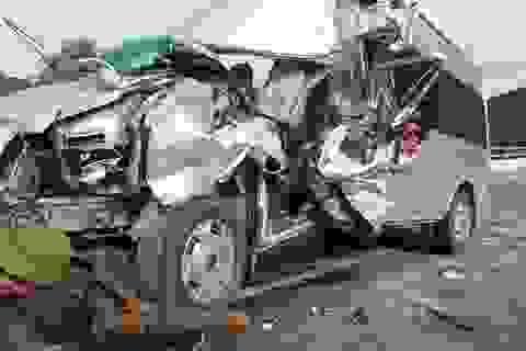 Xe chở khách đi du lịch gặp nạn, 1 người chết, 8 người bị thương