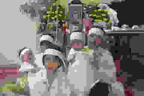 Xót thương 5 đứa trẻ mất cha trong vụ nhóm người Trung Quốc xả súng