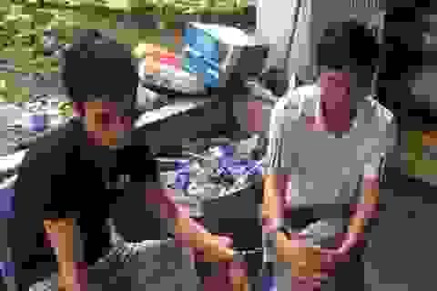 Hà Nội: Rượt đuổi ô tô chở ma túy tổng hợp