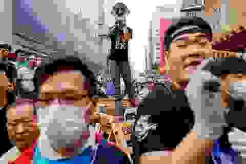 Người biểu tình Hồng Kông bỏ phiếu về đề xuất của chính quyền