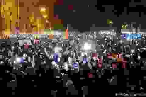 100.000 người tuần hành chống chính phủ tại Hungary