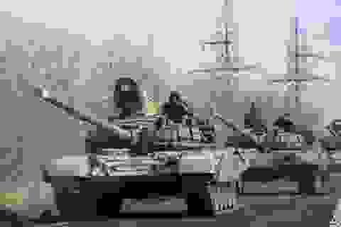 Nga bác cáo buộc điều xe tăng vào Ukraine của NATO