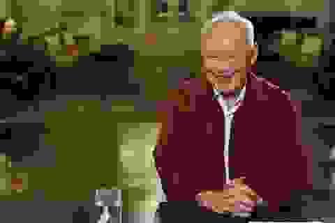 """Truyền hình Trung Quốc """"muối mặt"""" vì đăng tin Lý Quang Diệu qua đời"""