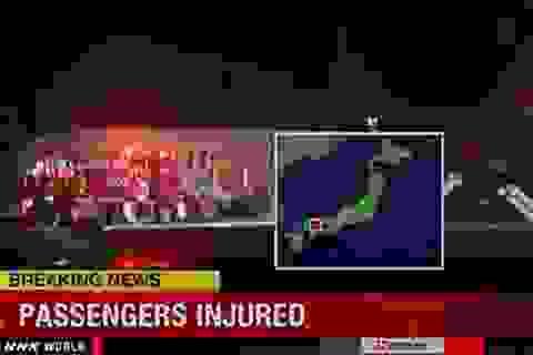Nhật: Máy bay lao khỏi đường băng, hơn 20 người bị thương