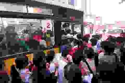 """Hà Nội yêu cầu công an """"xóa"""" nạn quấy rối tình dục trên xe buýt"""