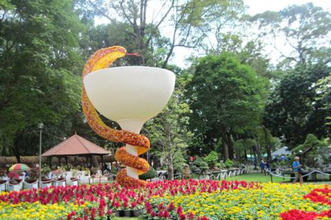 Khai mạc Hội hoa xuân Tao Đàn 2013
