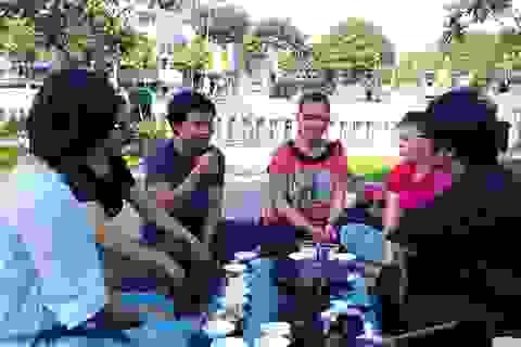 Trà sáng cuối tuần bên bờ kênh Nhiêu Lộc