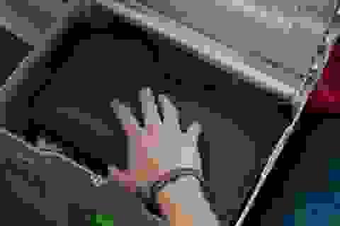 """Motorola tung video kịch tính """"úp mở"""" mẫu máy tính bảng mới"""