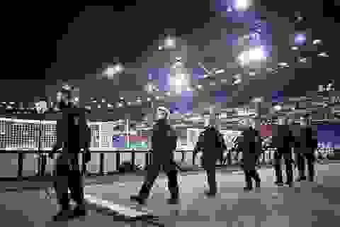 Đức hốt hoảng vì phát hiện xe cứu thương bị gài bom gần sân vận động