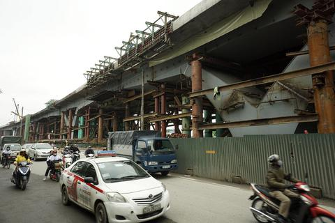 """Cầu vượt thép """"khủng"""" nhất Thủ đô sắp thông xe kĩ thuật"""