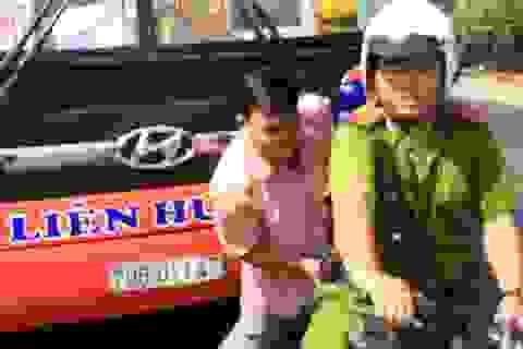 Giằng co với tài xế, cảnh sát nổ 3 phát súng gây náo loạn quốc lộ