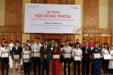 85 học sinh, sinh viên xuất sắc ngành âm nhạc nhận học bổng Toyota