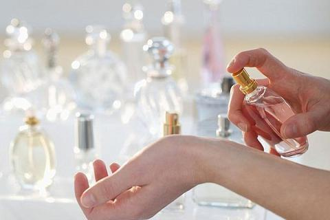 Anh sản xuất nước hoa đặc biệt, càng đổ mồ hôi càng thơm