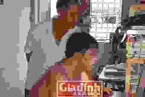 Người cha giúp đứa con bị bệnh Down thành sinh viên giỏi toàn năng